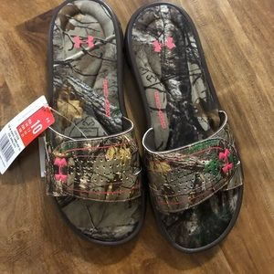 Under Armour Shoes - Under Armour realtree-camo/pink slide on sandals